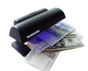 pinigu tikrinimo aparatai
